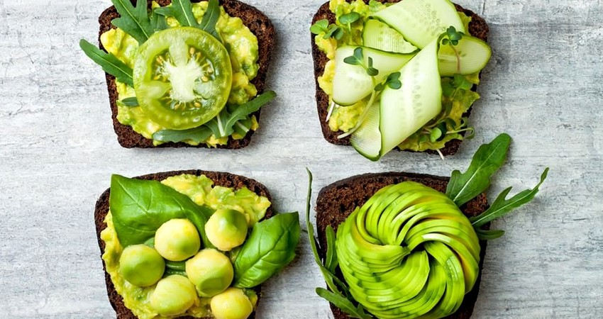AVOCADO TOAST MANIA